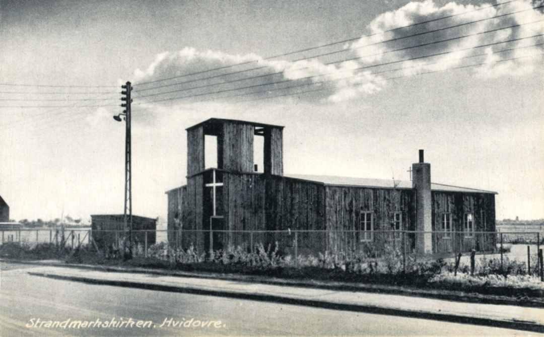 07_Strandmarkskirken_sommer_1949.jpg